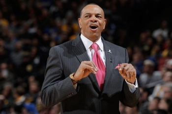 Lionel-Hollins-is-proud-of-the-zinger-he-just-delivered.-Rocky-Widner-NBA-Getty-.jpg